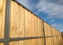 Kwikfynd Lap and Cap Timber Fencing ainsliensw